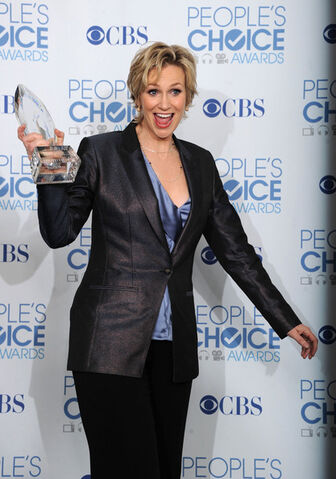 File:Jane+Lynch+2011+People+Choice+Awards+Press+5IvwBXZdbWPl.jpg