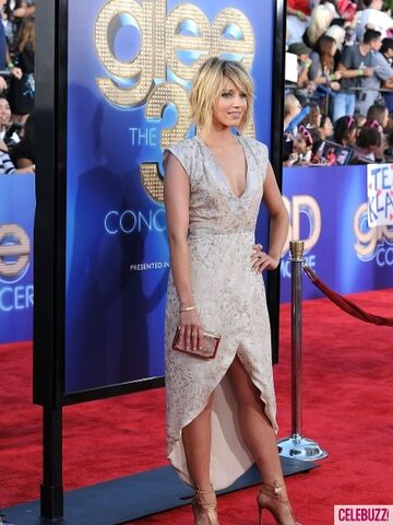 File:Dianna at the Glee 3D movie premiere.jpg