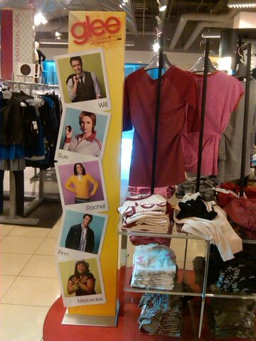 File:Macy's clothes.jpg