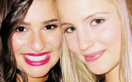 File:-lea-michele-and-dianna-agron-18356156-500-312.jpg