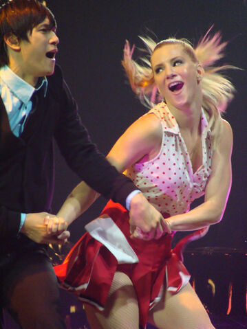 File:Glee-Tour-mike-and-brittany-1f2463913-500-667.jpg