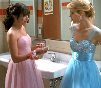File:Glee-prom-2.png