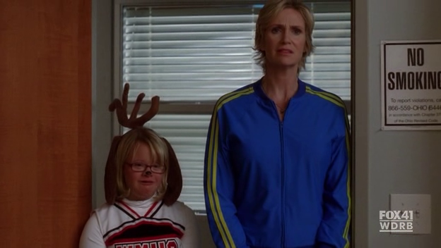 File:Glee-2x10-Becky-Sue-Sylvester-Cap-22.png