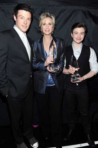 File:Chris+Colfer+2011+People+Choice+Awards+Backstage+46NTRMMzwKsl.jpg