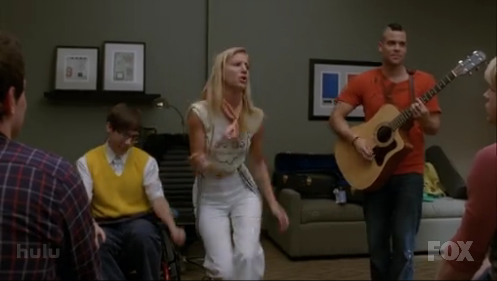 File:Brittany-sings-cup3.png