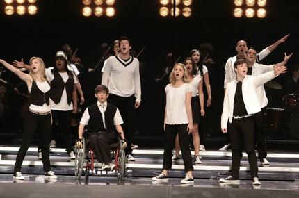 File:Glee-throwdown-.jpeg