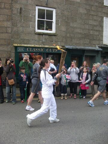 File:Olympic torch in Penzance!!! 021.jpg