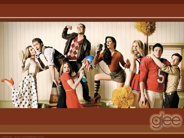 File:Glee wallpaper101.jpg