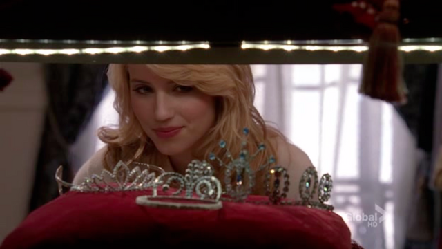 File:Gleediannaprom.png