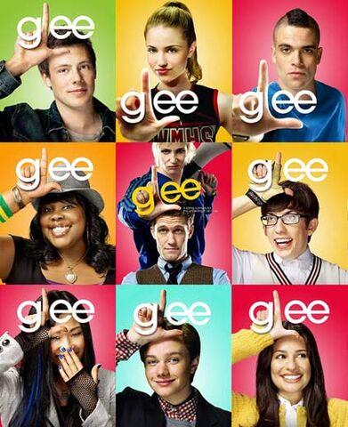 File:Glee-2.jpg