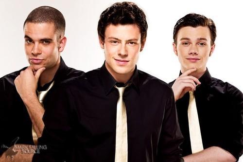 File:Glee-glee-13895135-500-333.jpg