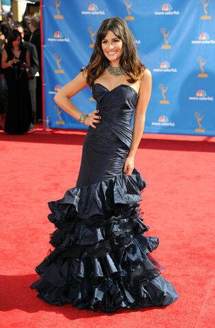 File:Emmys 2010.jpg