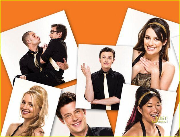 File:Glee-album-artwork-journey-to-regionals-01.jpg
