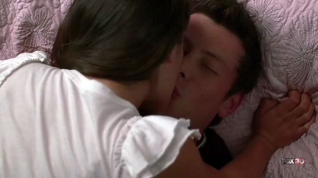 File:1x08 Rachel thinks she's makin' out with Finn.PNG
