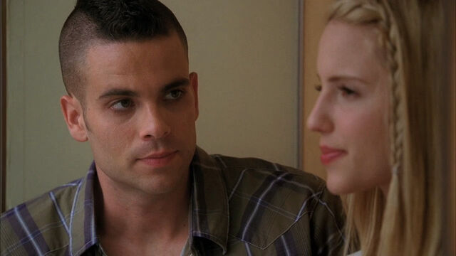 File:Puck-and-Quinn-glee-couples-11784797-1280-720.jpg