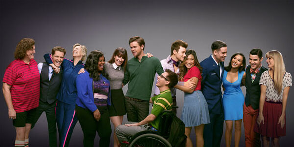Rs 610x305-141218123806-610.glee-publicity-photo-season-6.jpg