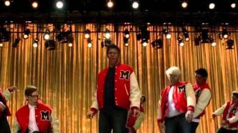 "Glee ""She's Not There"" (PERFORMANCE)"