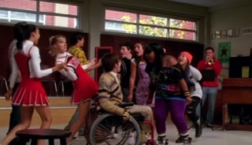 File:Glee-cast-lean-on-me.jpg