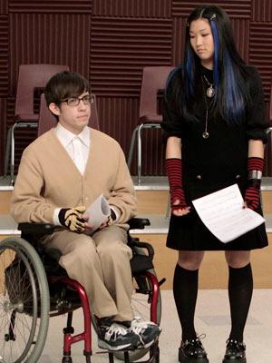 File:Glee-tina-artie 300.jpg