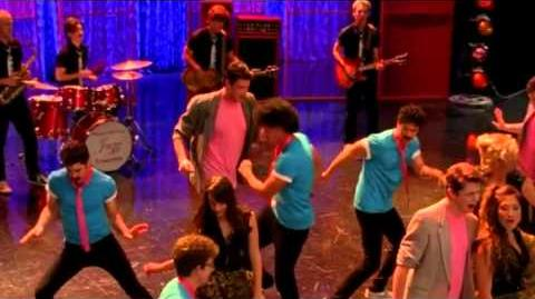 Glee - I Can't Go For That (No Can Do) You Make My Dreams (Full Performance) HD
