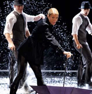 File:Glee - Singing In the Rain-Umbrella.jpg