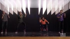 File:280px-Glee.S02E13.HDTV.XviD-LOL.-VTV- 2740.jpg
