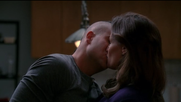 File:Puck Shelby kiss.png