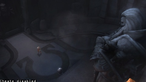 File:Kratos confronts Ares' Statue.jpg