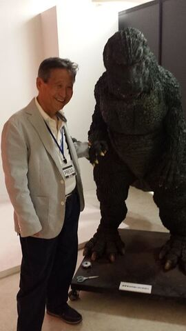 File:Koichi Kawakita and Godzilla Junior suit.jpg