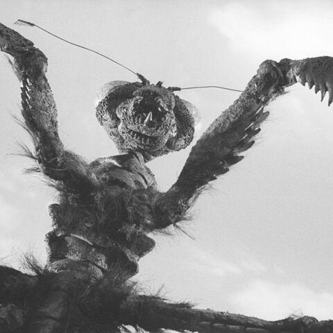 File:Godzilla.jp - 10 - AllKaijuKama Kamacuras 1969.jpg