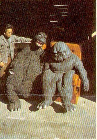 File:Rotting ShodaiMinilla and MusukoGoji.jpg
