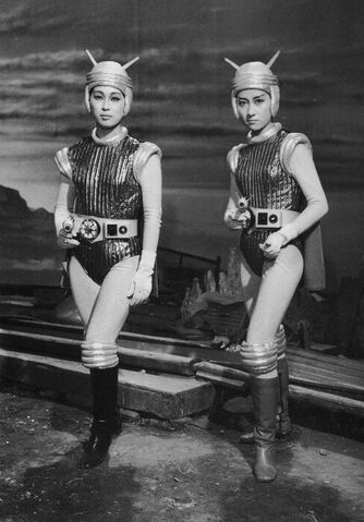 File:Hiroki Kai and Reiko Kasahara as the Terrans.jpg