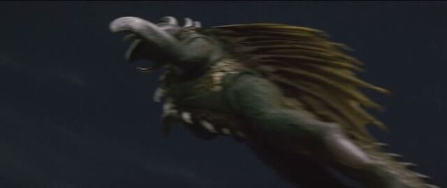 File:Gigan tries to escape.jpg