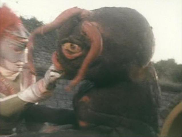File:Go! Greenman - Episode 2 Greenman vs. Antogiras - 16 - Nom nom nom robot hand.png