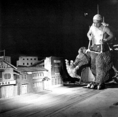File:Godzilla Behind Scenes.jpg