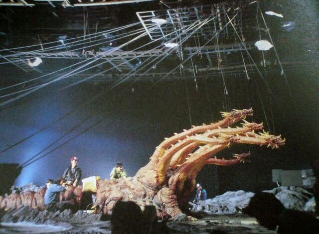 File:HeiseiOrochi Behind the Scenes 1.jpg