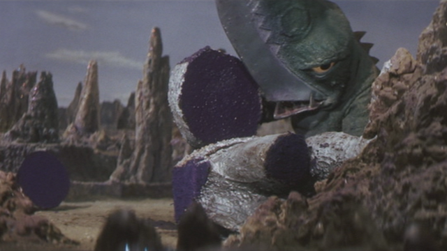 File:Gamera - 5 - vs Guiron - 20 - Guiron Prepares To Make Gyaos Sushi.png