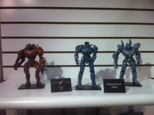 File:Pacificrimmovie toy striker eureka.jpg
