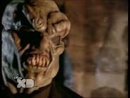 Hauntedmask2 04