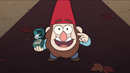 S1e1 gnome jeff holding ring