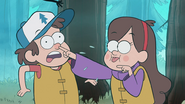 S1e2 mabel picking dipper's nose