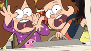 S1e1 dipper and mabel screaming