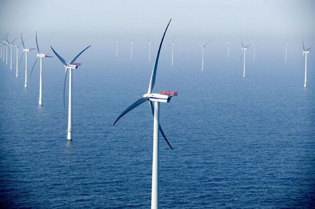 File:Wind energy II.jpg