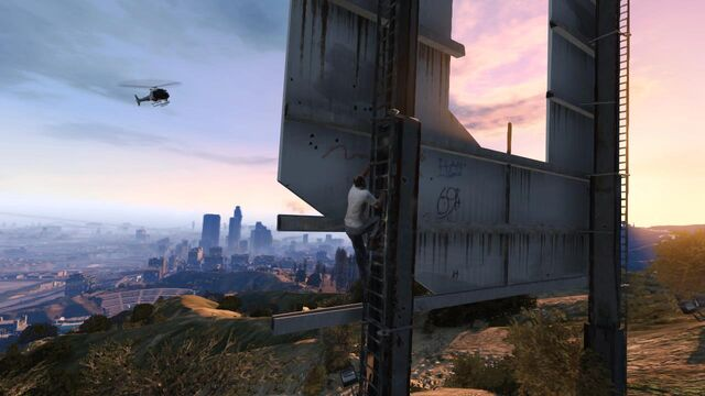 File:Gta-v-helicopter-vinewood-trevor.jpg