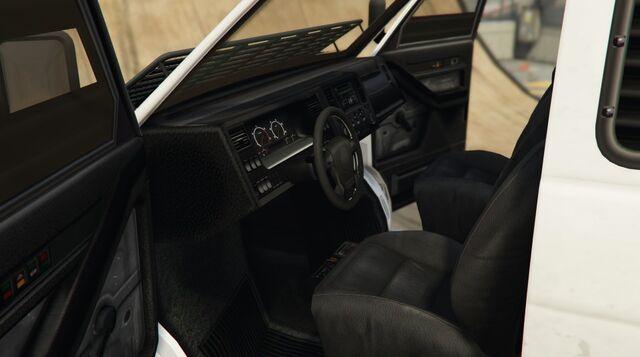 File:PoliceTransporter-GTAV-Inside.jpg