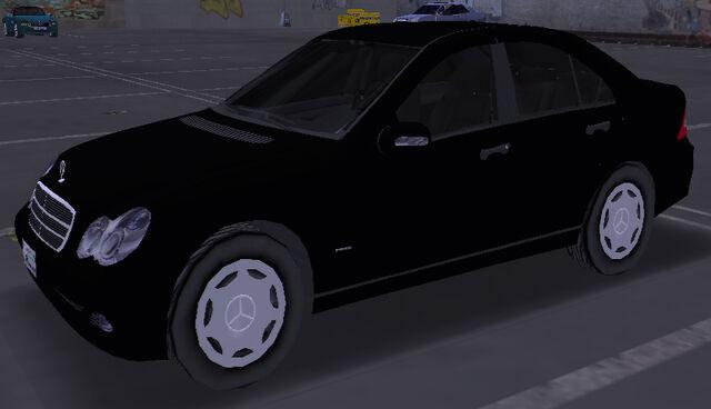 File:MercedesBenzC200-RGTA-front.jpg