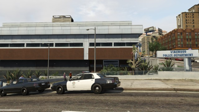 File:LSPD Vinewood Station - GTA V.jpg