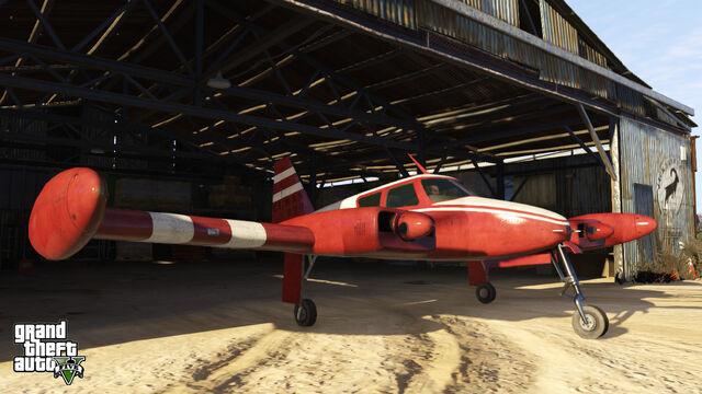 File:Cuban800-GTAV-hangar.jpg