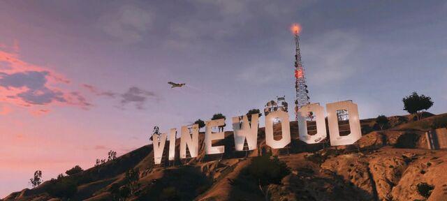 File:Vinewood-GTAV.jpg