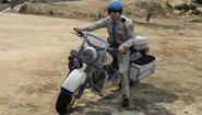 MotorPolice-GTAV-OnBike